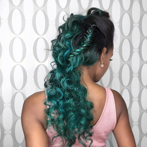 Modal for frontal installation tips with black and green luxury 100% virgin hair.
